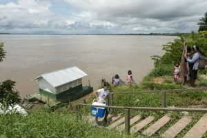 vaccines-cooler-countryside-brazil